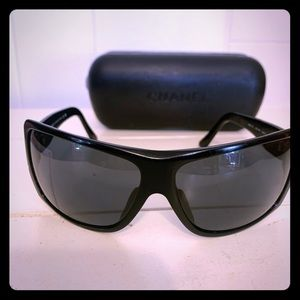 CHANEL black gradient tint Sunglasses